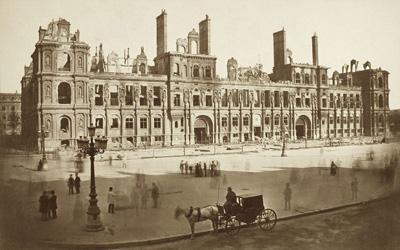Hôtel de ville détruit